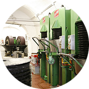Production according to our centuries-old tradition - oil extraction - Old Frantoio Pace